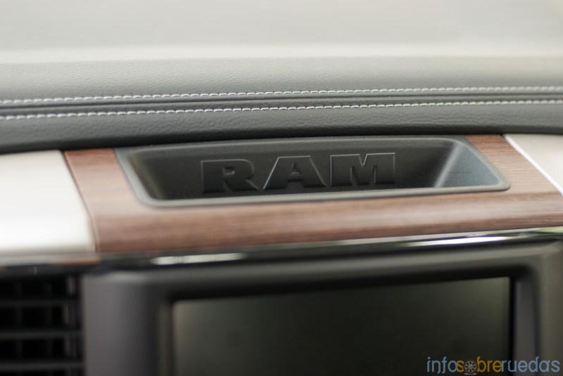Test: RAM 1500 Laramie 5.7 V8 HEMI 106