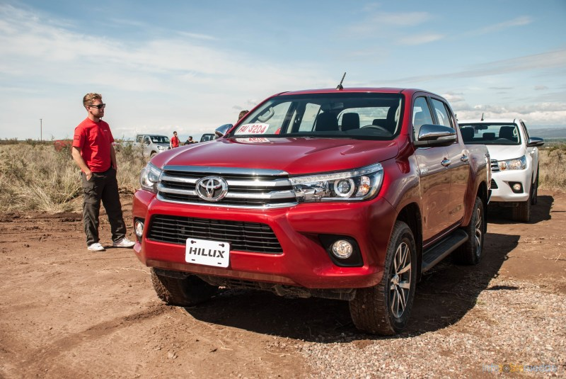 Contacto: Toyota Hilux 2016 27