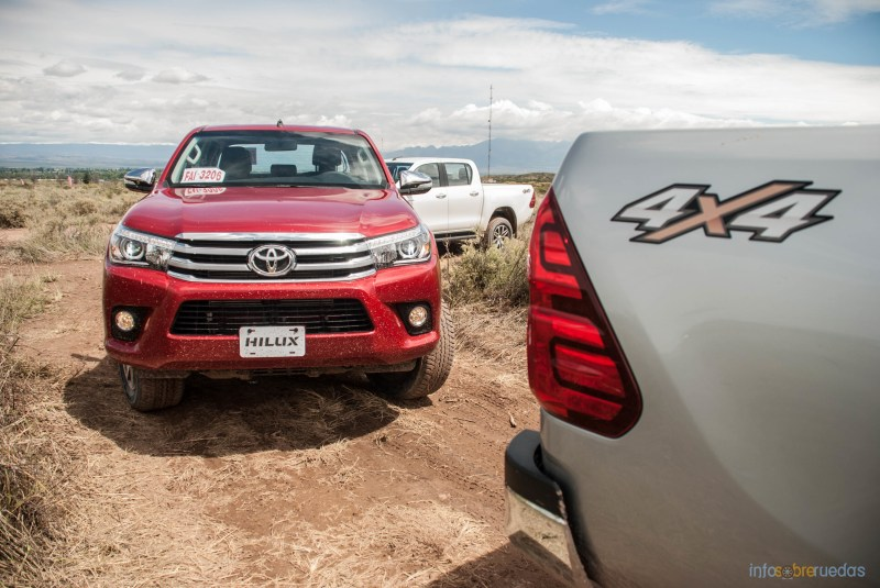 Contacto: Toyota Hilux 2016 4
