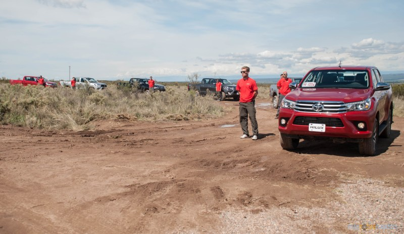 Contacto: Toyota Hilux 2016 43