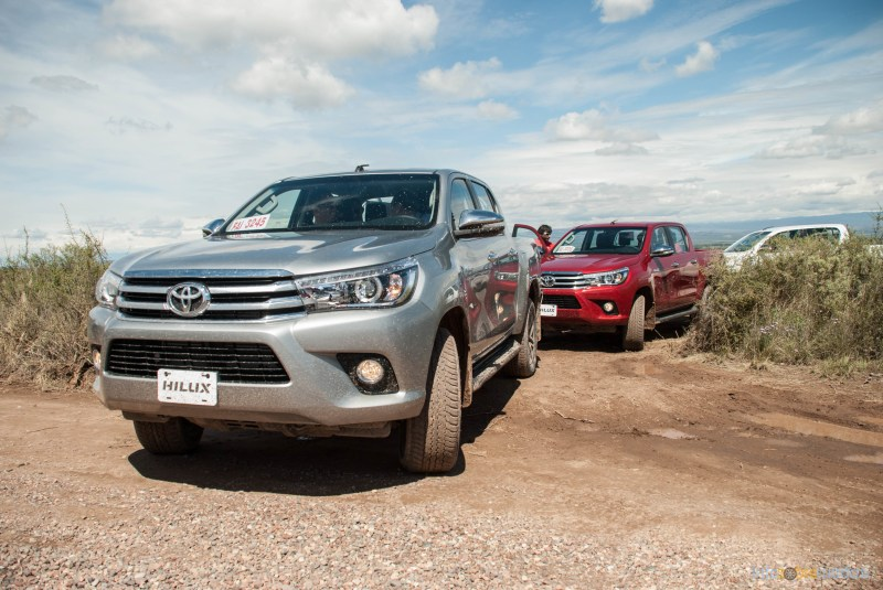 Contacto: Toyota Hilux 2016 46