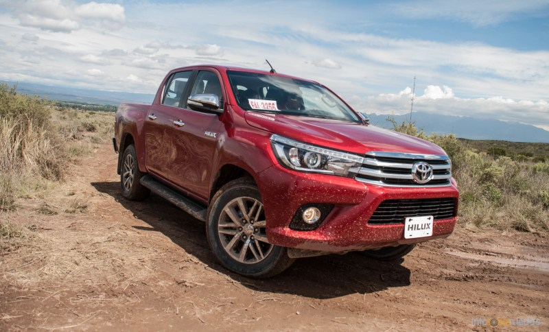 Contacto: Toyota Hilux 2016 47