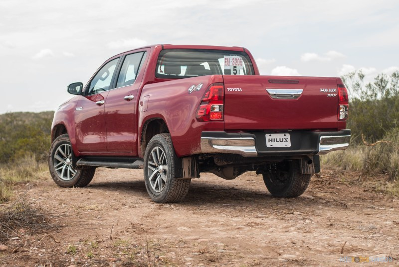 Contacto: Toyota Hilux 2016 59