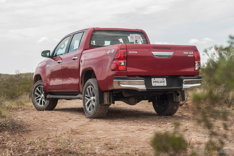 Contacto: Toyota Hilux 2016 60