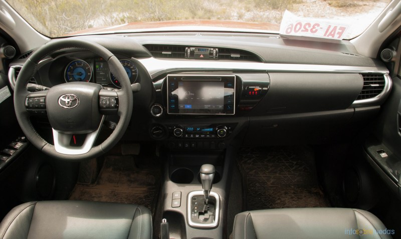 Contacto: Toyota Hilux 2016 61