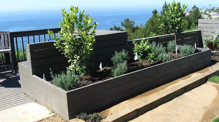 Build Simple Garden Box