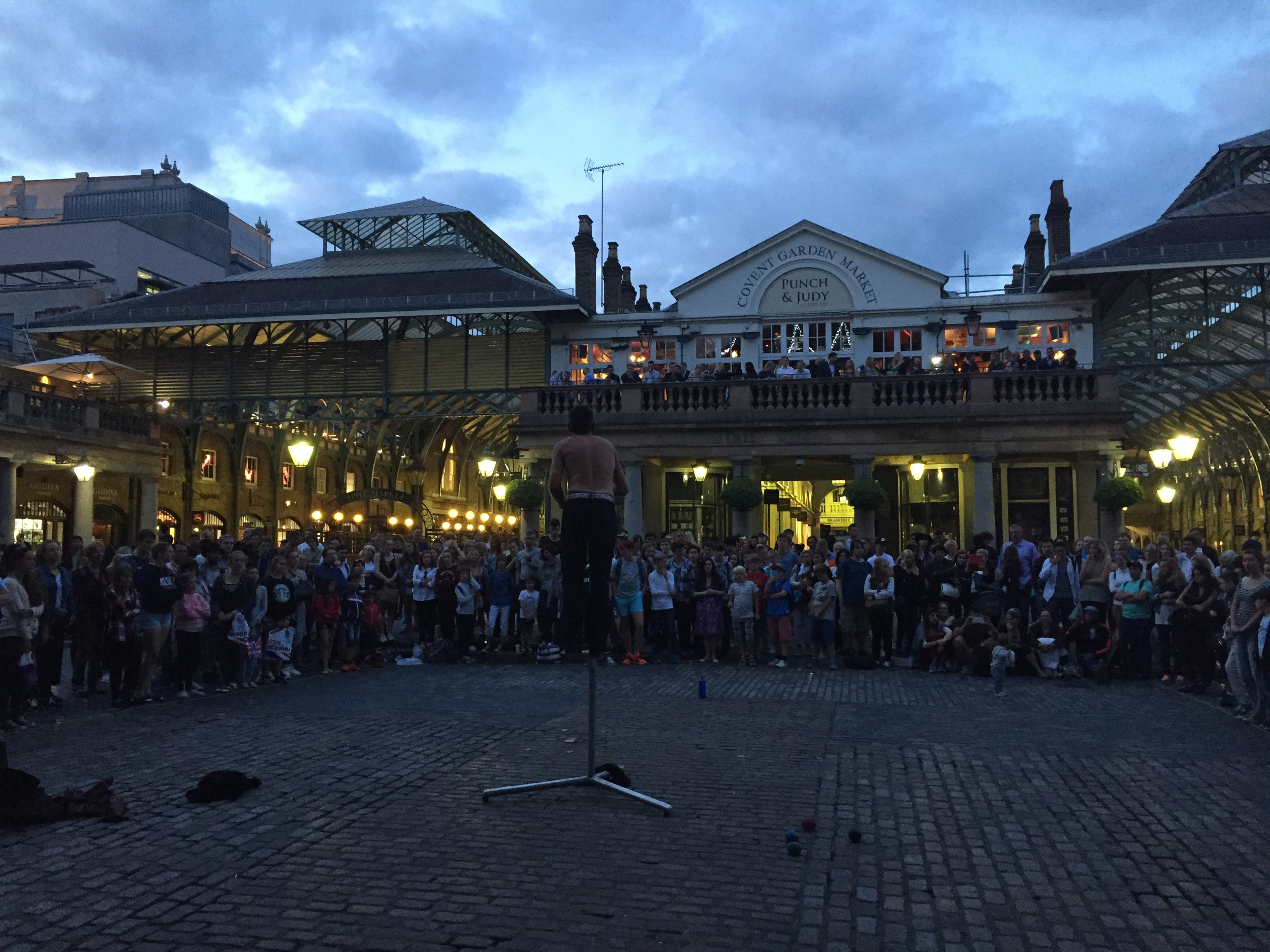 So I ended up being lured in by a street performance while exploring the elegance of Covent Garden!