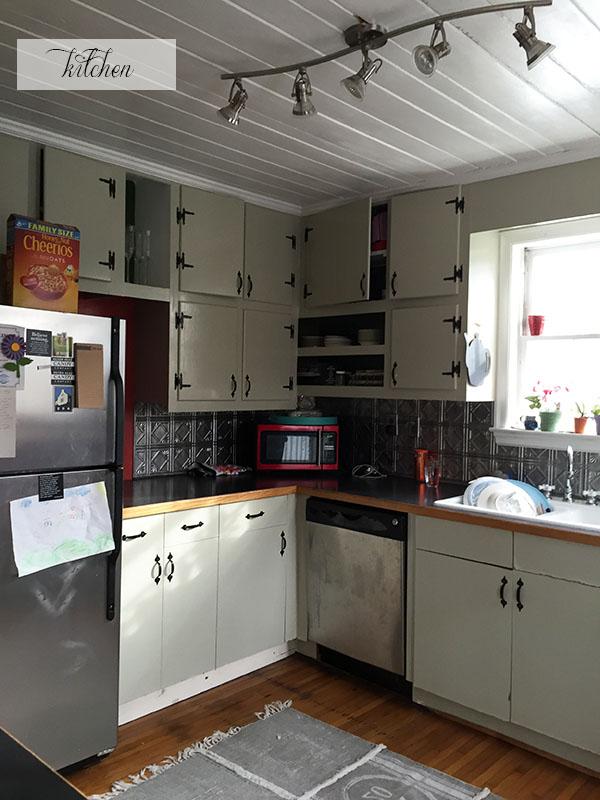 cozy classic white kitchen inspiration blue door living. Black Bedroom Furniture Sets. Home Design Ideas