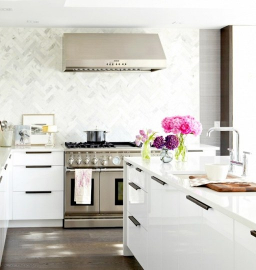A Glamorous Backsplash Trend To Try In The Kitchen Blue Door Living