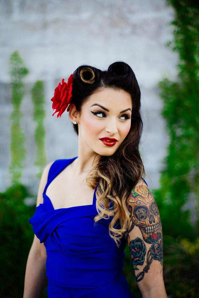 Pin Up Style Makeup And Hair For Engagement Photos