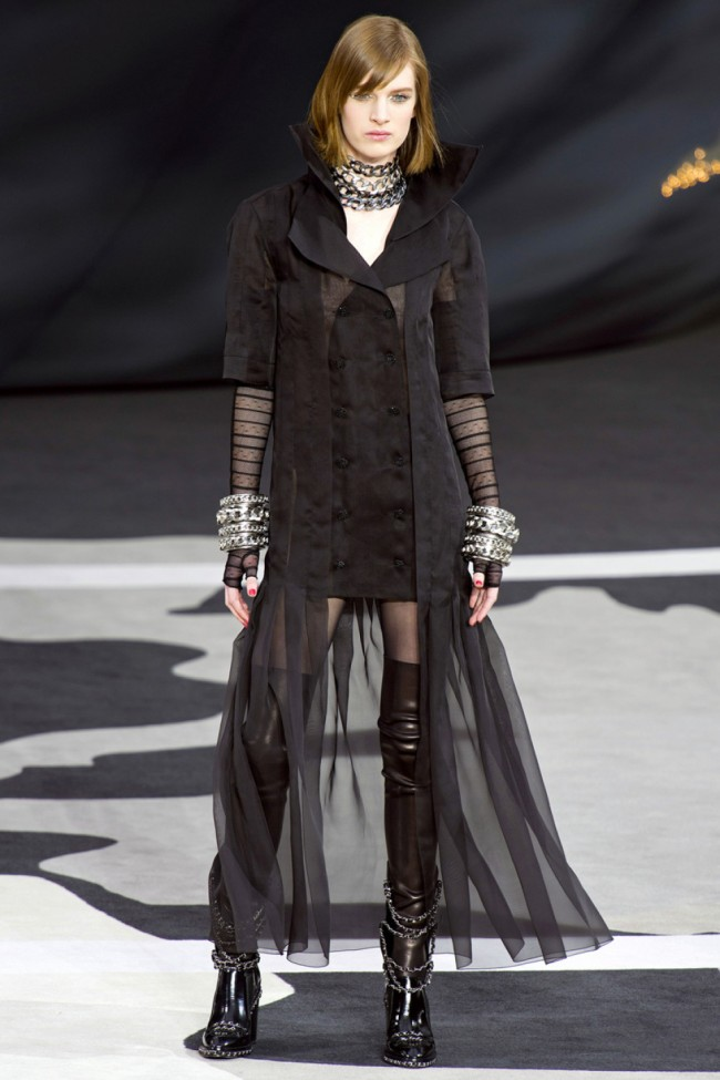 open-boot-chanel-fall-2013