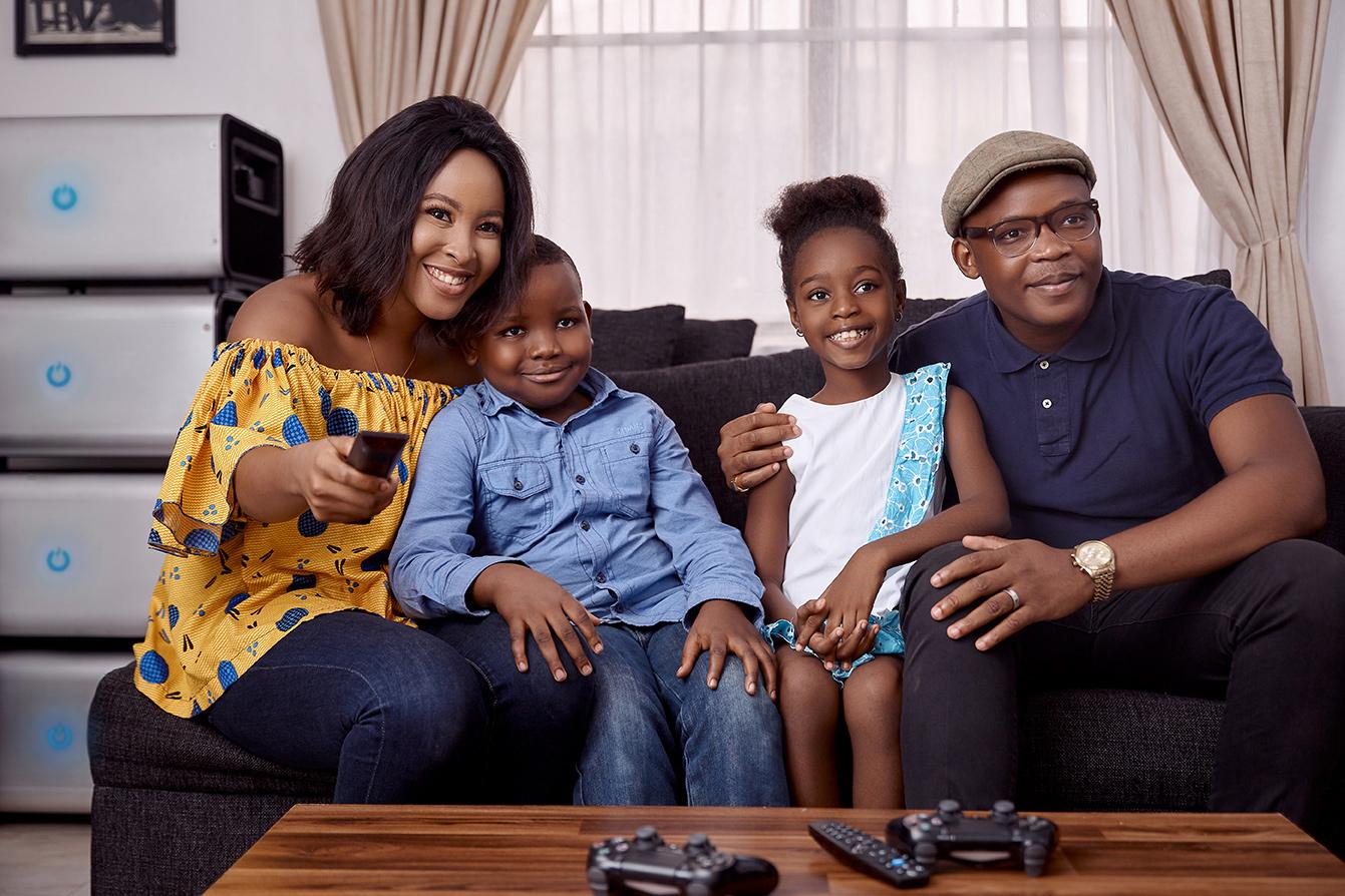 ZOLA-Electric-INFINITY-Africa-Nigeria-Lagos-Urban-HH-Apartment-Customers-family-watching-TV-_KST0876.jpg