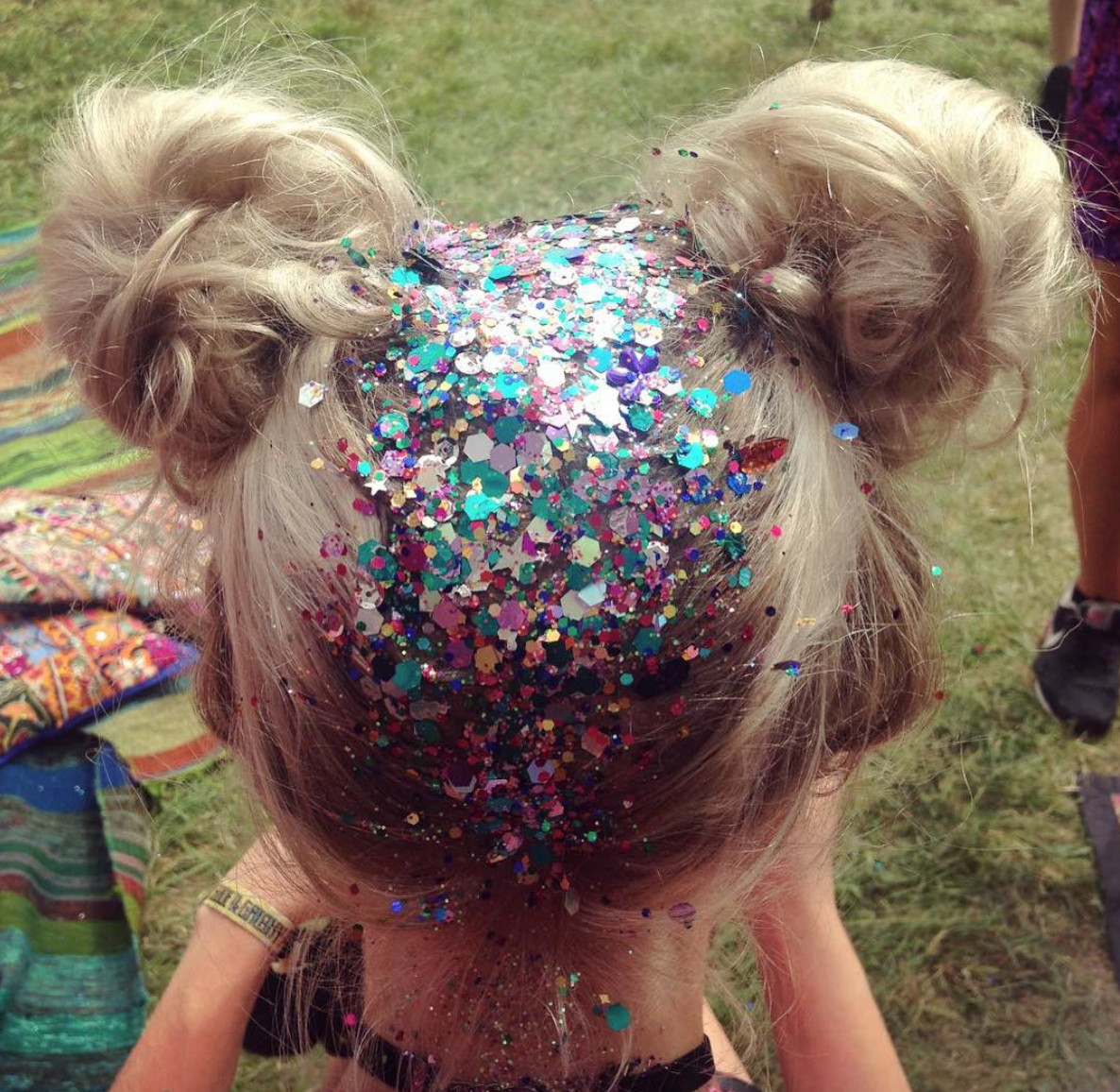 THE GYPSY SHRINES TOP 10 GLITTER LOOKS OF 2016 The
