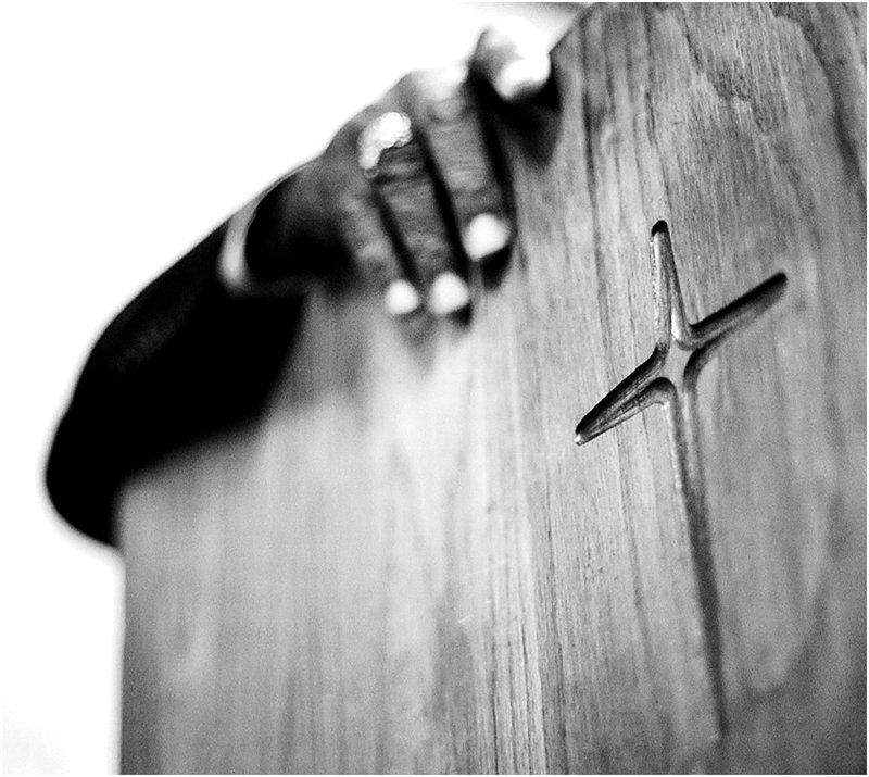 pastor-pulpit