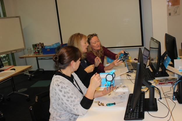 Robotics professional development workshop for librarians - building and programming mBot