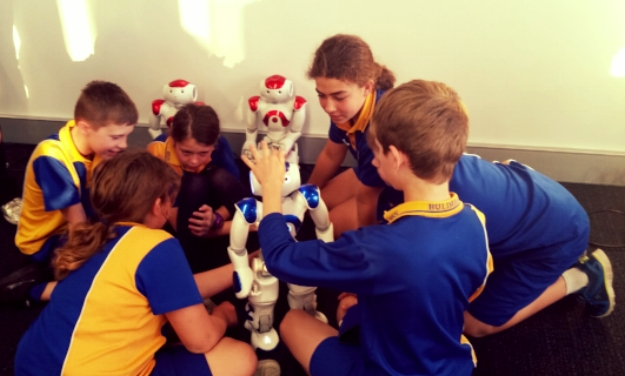 Playing with Nao Robots at the Australian Centre for Robotic Vision, Brisbane