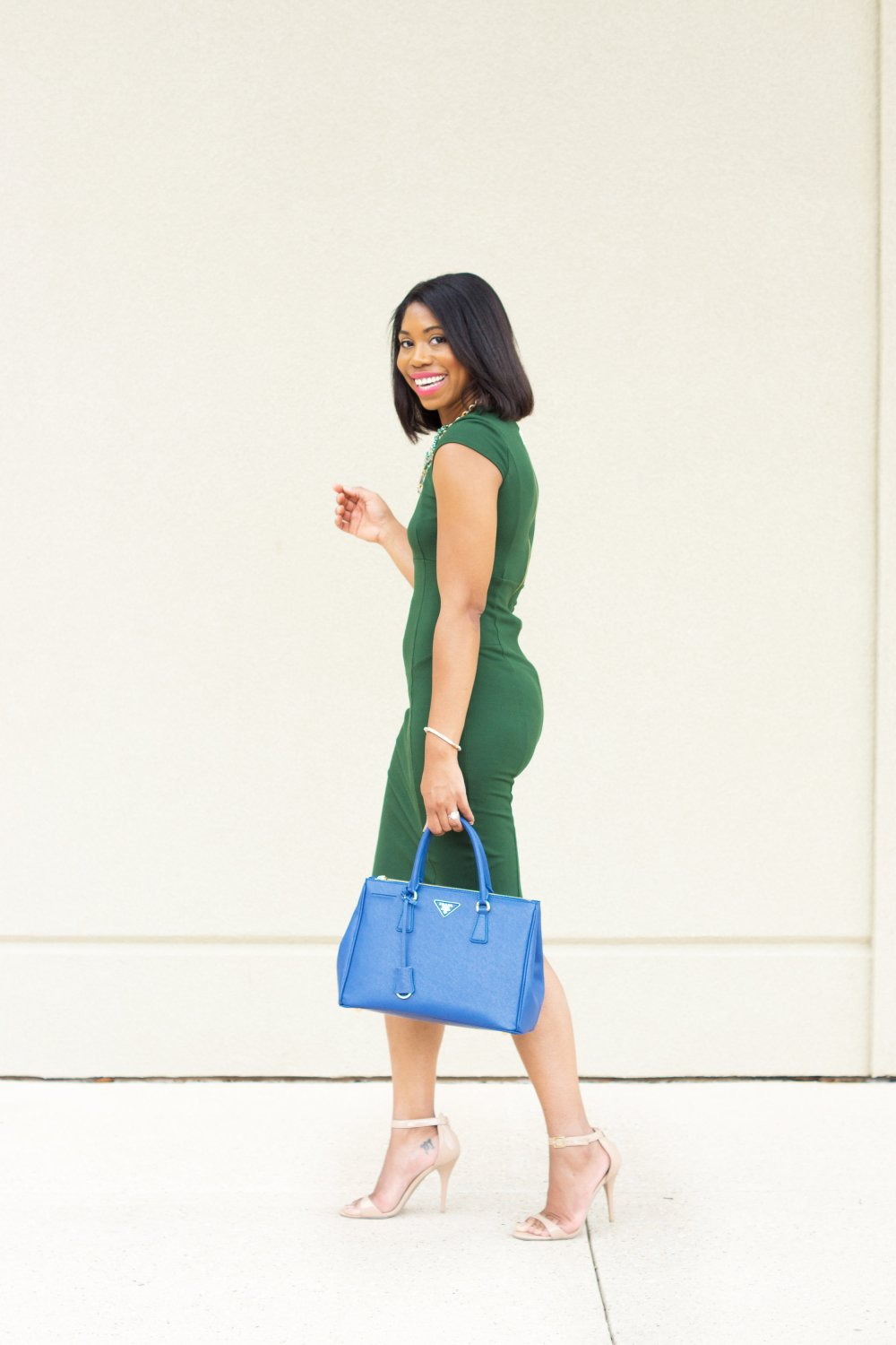 the best bodycon dress for women with curves black fashion blogger stephanie taylor jackson