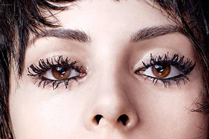 No matter how well taken the photo, clumpy lashes steal the show away from the eyes.