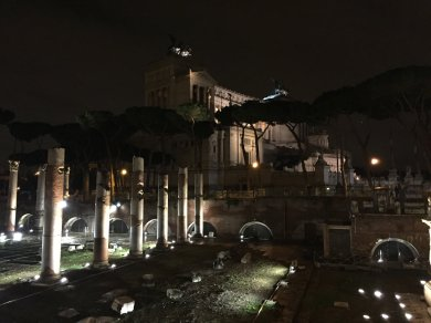 DARK ROME - GHOSTS, MYSTERIES, AND LEGENDS OF ROME NIGHT WALKING TOUR