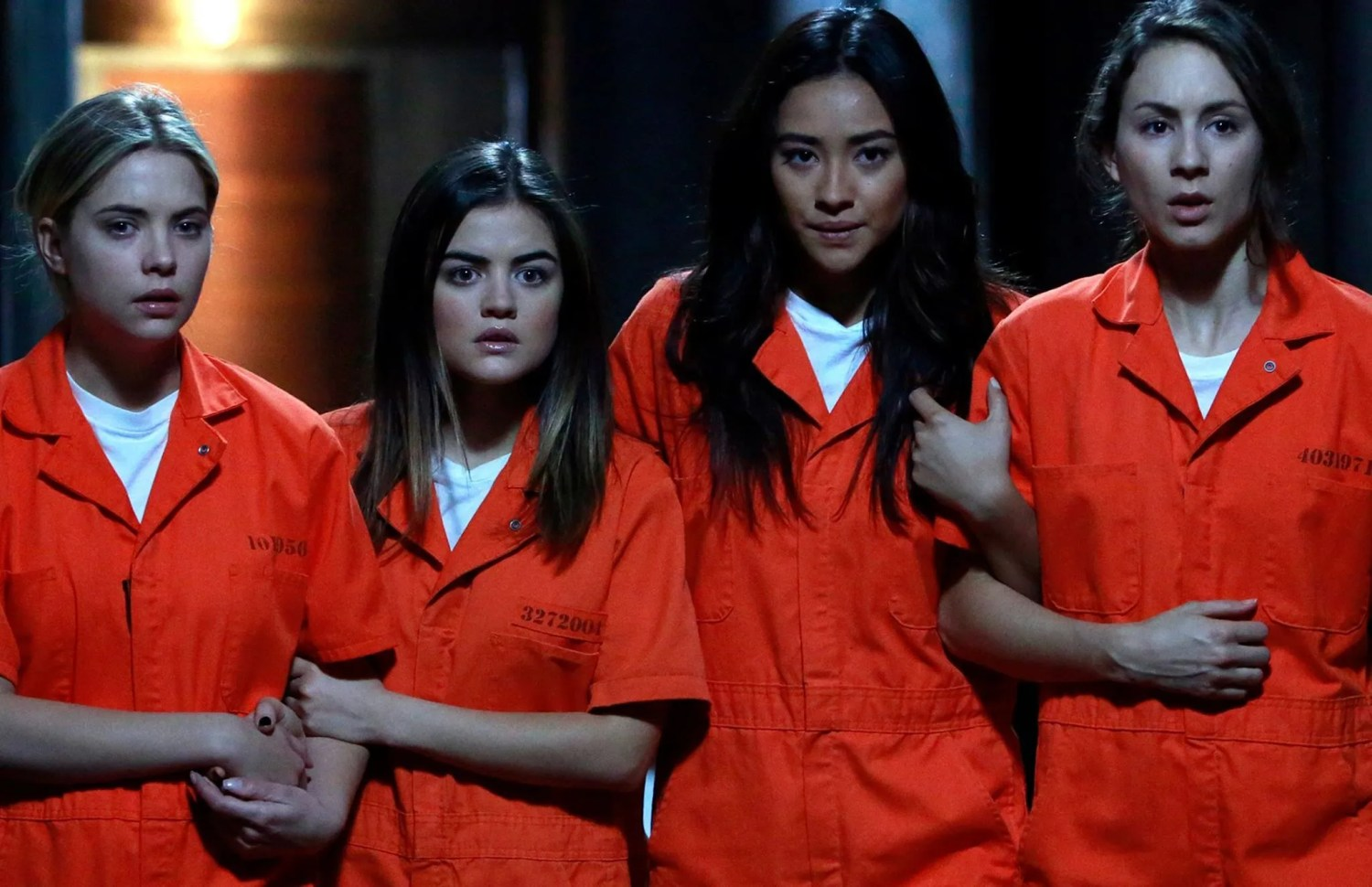 748c3f691cc 20 Things Everyone Gets Wrong About Pretty Little Liars