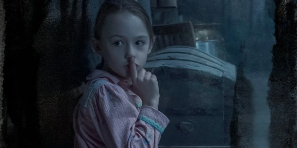 Haunting of Bly Manor First Look Images Reveal Hill House Sequel TV Show -  Total Daily