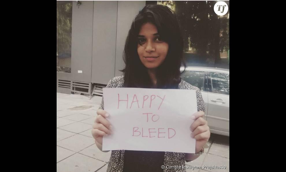 Une jeune indienne montre son soutien sur Instagram
