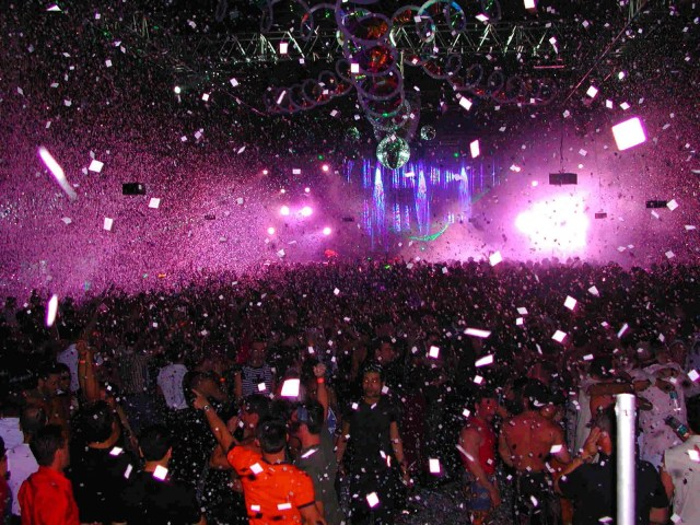http://clickdon1.blogspot.ca/2011/12/miami-beach-nightclubs.html