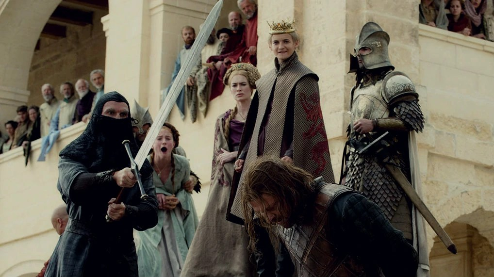 https://i2.wp.com/static1.wikia.nocookie.net/__cb20110613223559/gameofthrones/images/1/1a/Ned%27s_execution.jpg