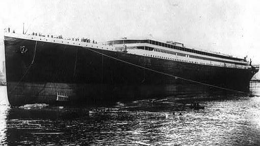 El «Titanic», tras su botadura
