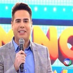 """Luiz Bacci no """"Domingo Show"""" em 2016"""