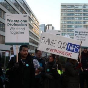 I medici junior in piazza per lo sciopero di oggi