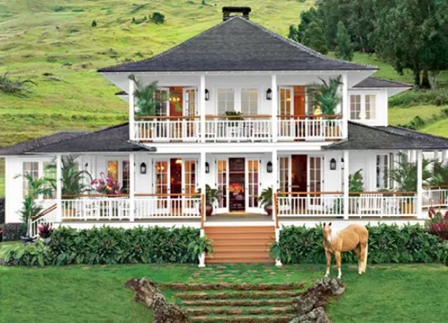 She's owned this idyllic farmhouse in Kula, Hawaii, since 2002.