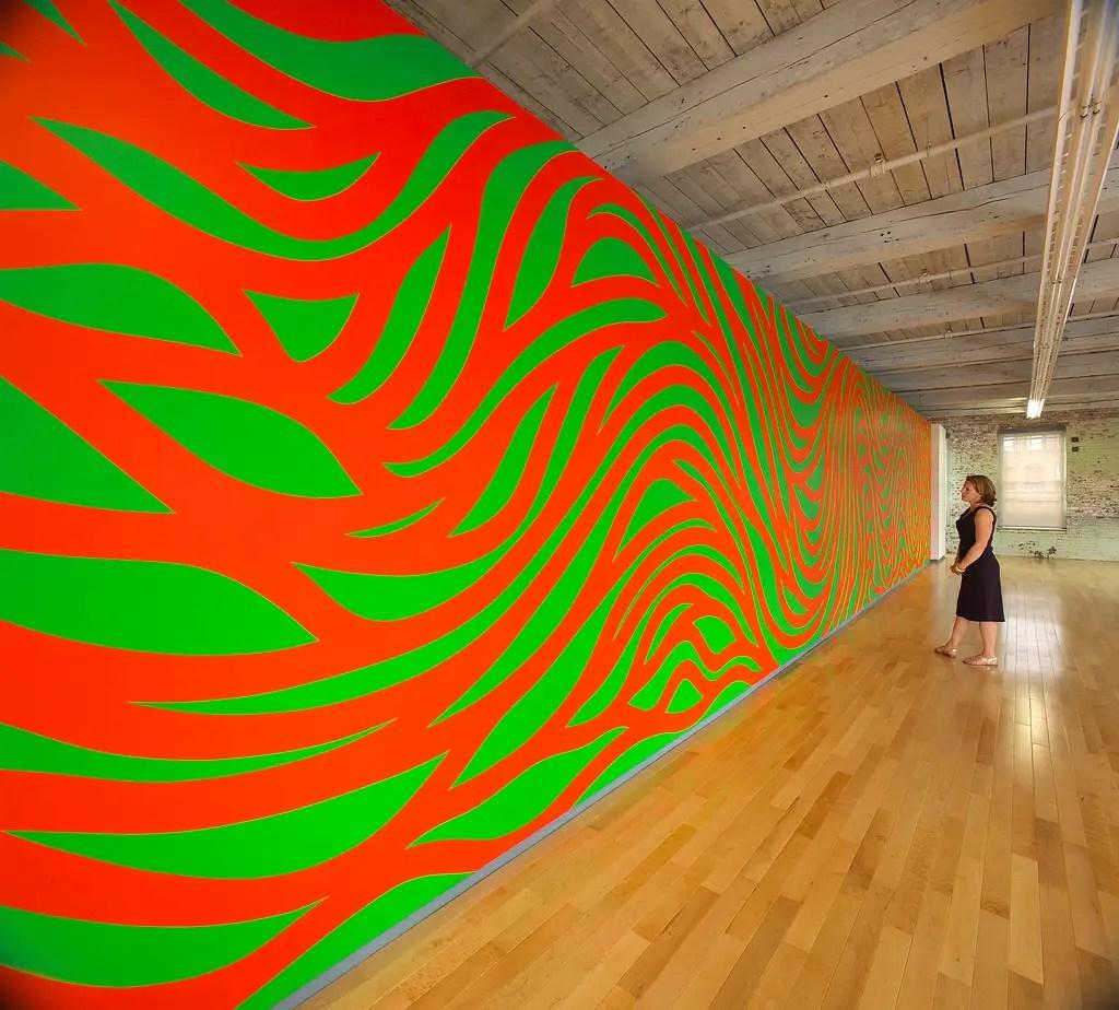 """La rétrospective """"A Wall Drawing Retranspective"""" de Sol LeWitt à MASS MOCA à North Adams, dans le Massachusetts."""