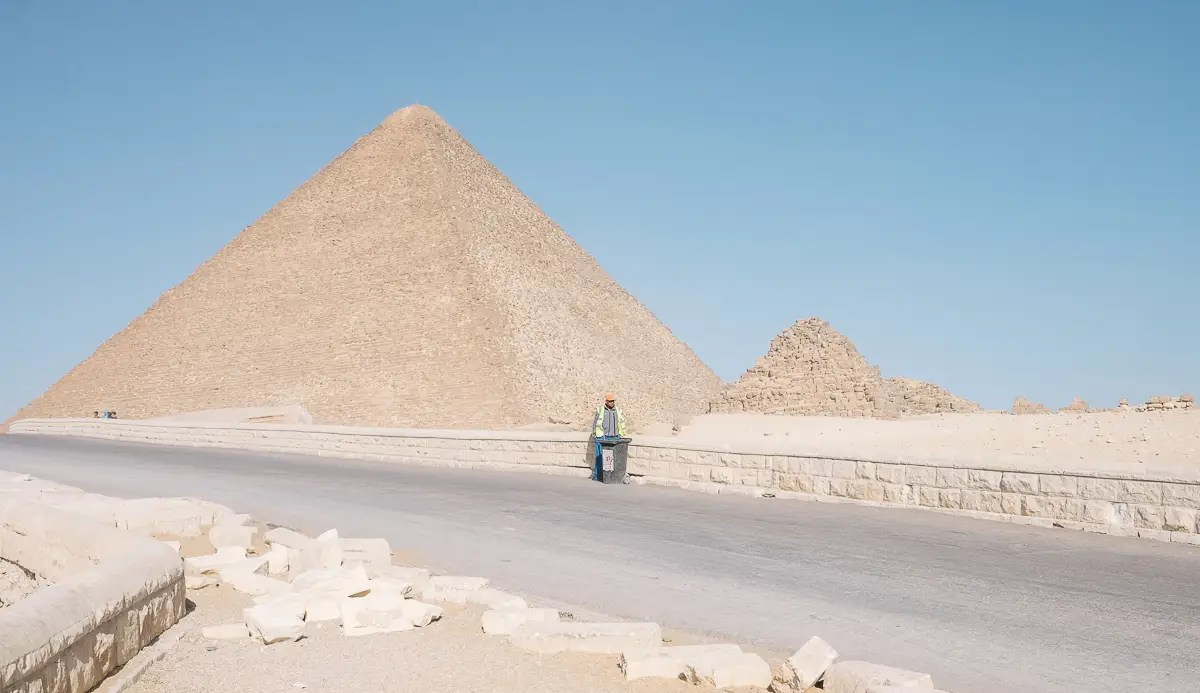 Not many other people were there to check out the pyramids with Terzza.