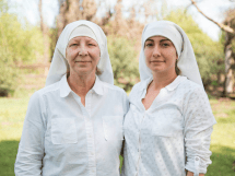Business sisters of the valley