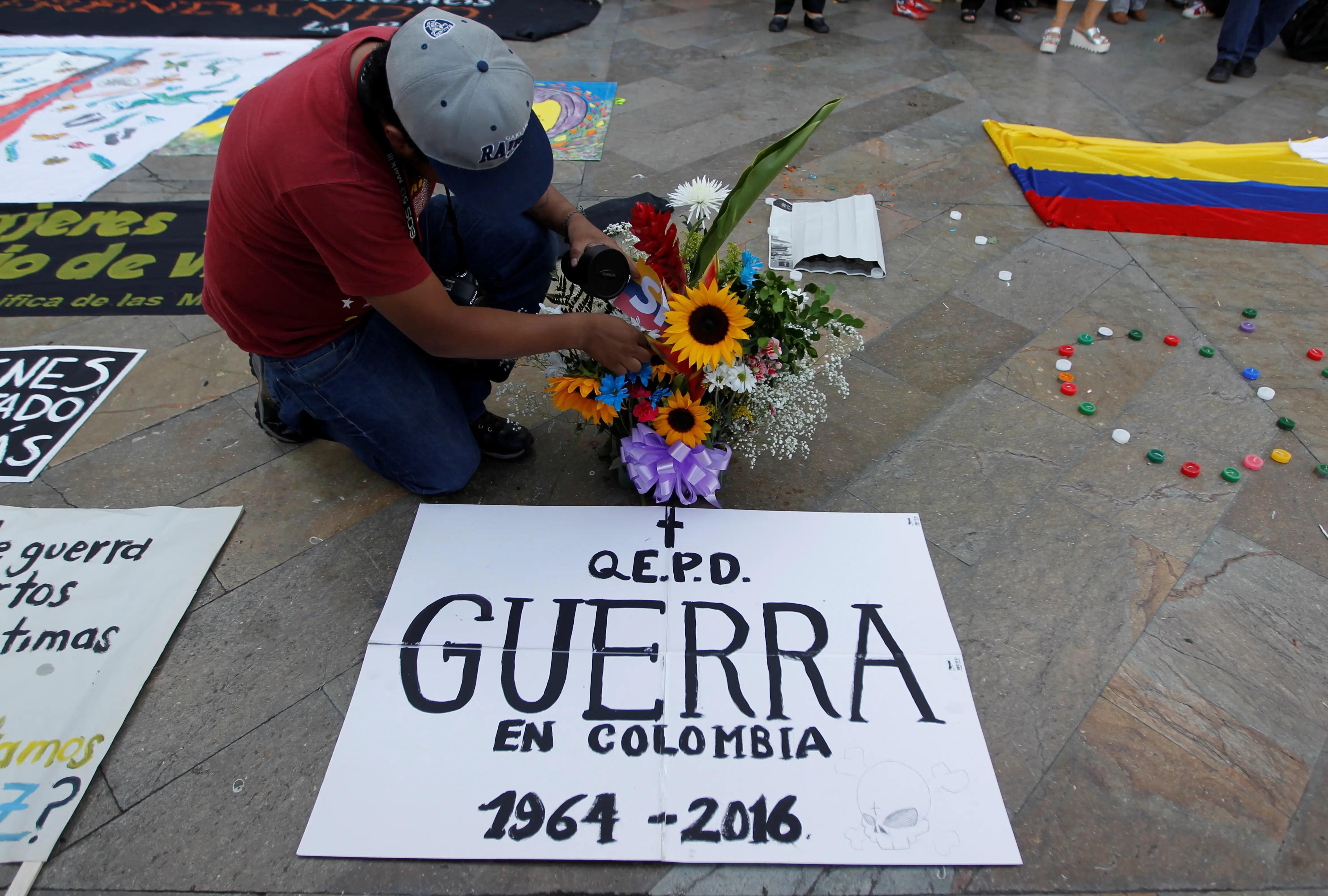 Colombia FARC peace deal plebiscite guerrilla war
