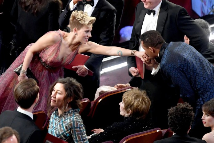 Another sweet moment occurred offstage between Scarlett Johansson and Terrence Howard.
