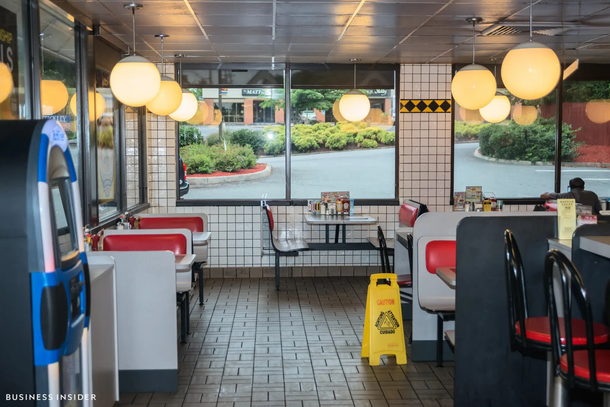 Inside, Waffle House has a classic diner feel. Subway tiles, vinyl booths, and the ubiquitous jukebox lend a comforting timelessness. The chain avoids jumping on the latest dining trends — no raw wood or industrial lighting fixtures here.
