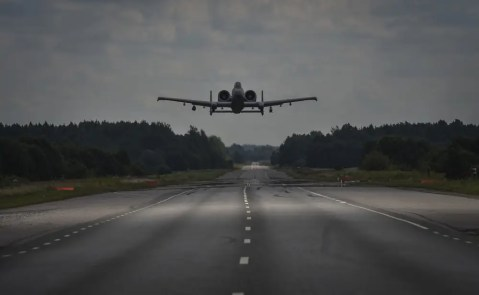 A-10 Thunderbolt Warthog landing runway highway Air Force A-10s practice takeoff and landings on a highway in Estonia Air Force A-10s practice takeoff and landings on a highway in Estonia a 10 thunderbolt warthog landing runway highway