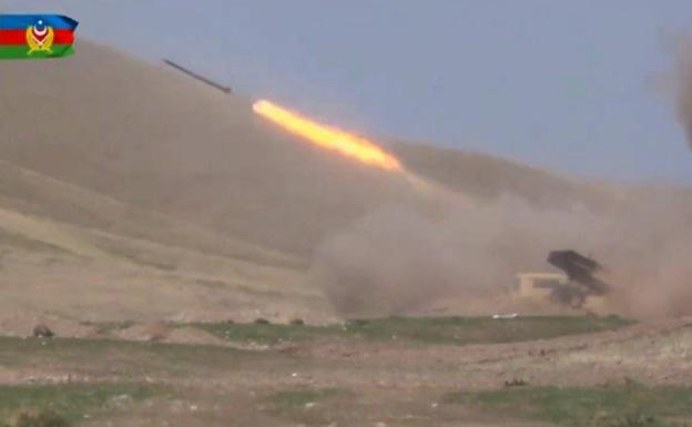 Azerbaijan continues its offensive in Nagorno Karabakh with the backing of Turkey