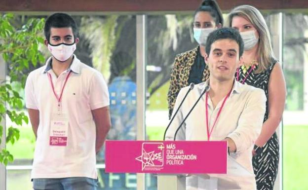 Trimiño was elected Secretary General of the Socialist Youth of Euskadi in September.