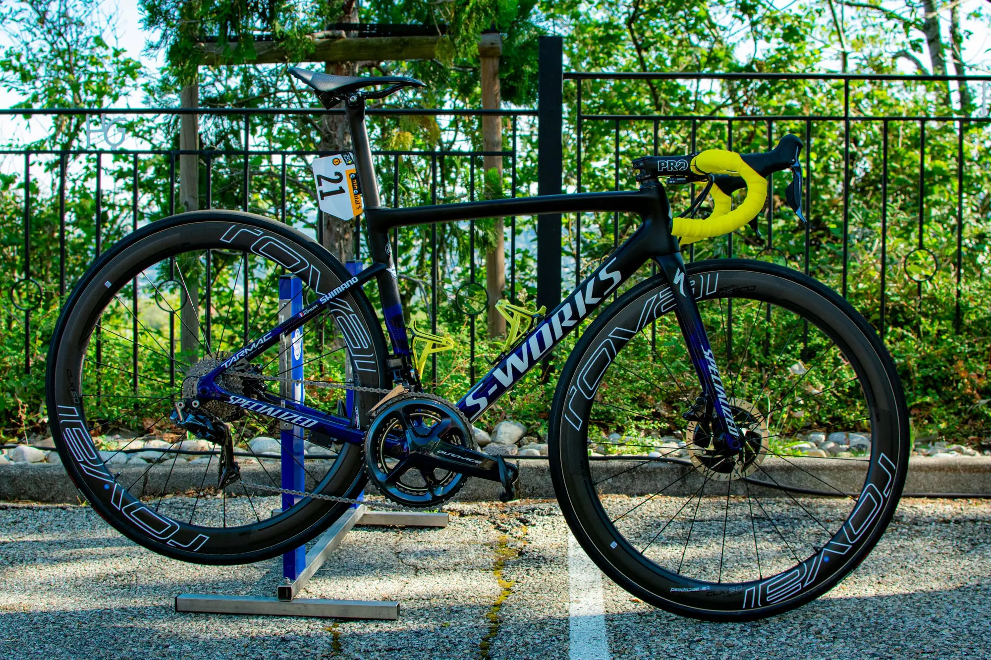 Tour de France Alaphilippe bike Specialized Tarmac leader yellow