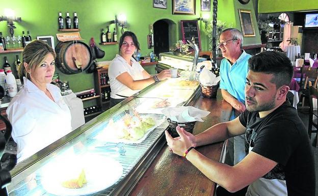 Restaurante La Bodega, que como el resto nota la medida.