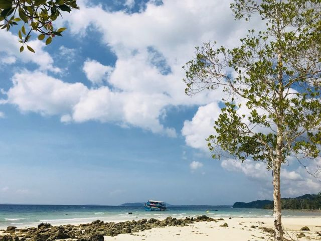 Photo of Elephant Beach, Port Blair, Andaman and Nicobar Islands, India by Priya Saxena
