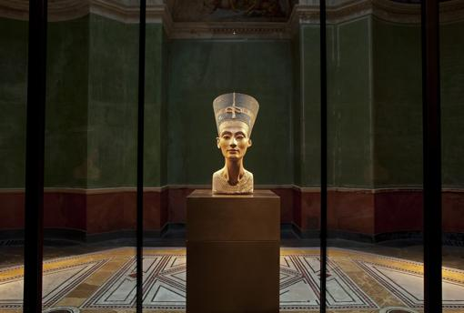 Nefertiti's bust is the star of the Neues Museum in Berlin