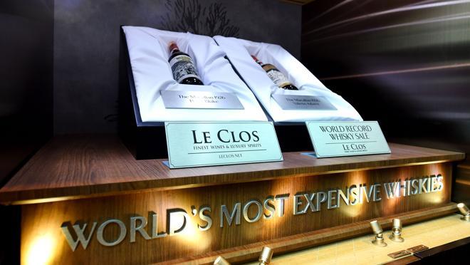 Vitrina en Le Clos con las botellas vendidas en el Aeropuerto Internacional de Dubai