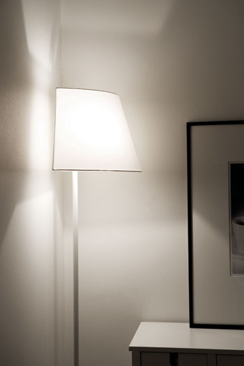 Roberto Crdenas Corner Lamp