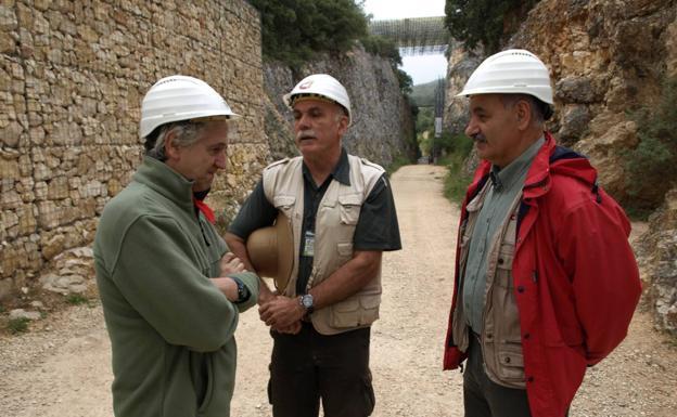 Juan Luis Arsuaga, Eudald Carbonell y José María Bermúdez de Castro son los tres codirectores del proyecto Atapuerca./GIT