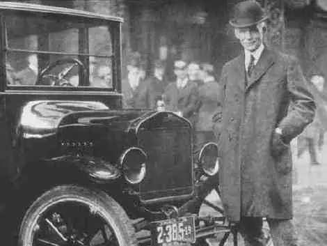 Automobile tycoon Henry Ford ate weeds from his yard.