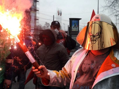 steel worker arcelormittal france protest